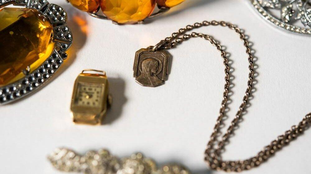 200. zwrot: biżuteria matki powraca do córki