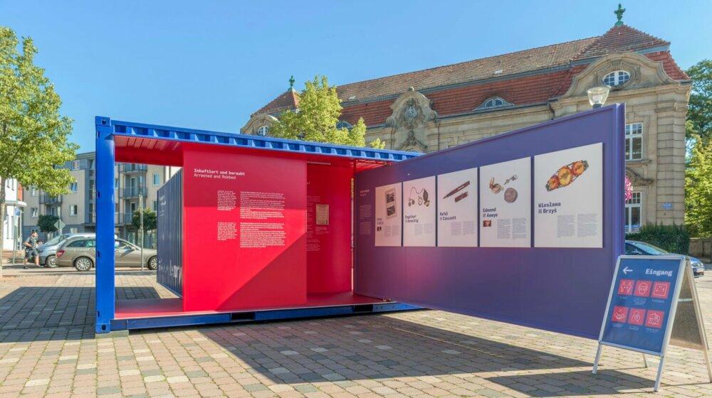 Ausstellungs-<br /> tournee startet in Bad Arolsen