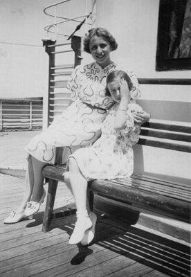 Ilse and Edith Simon on board the St. Louis