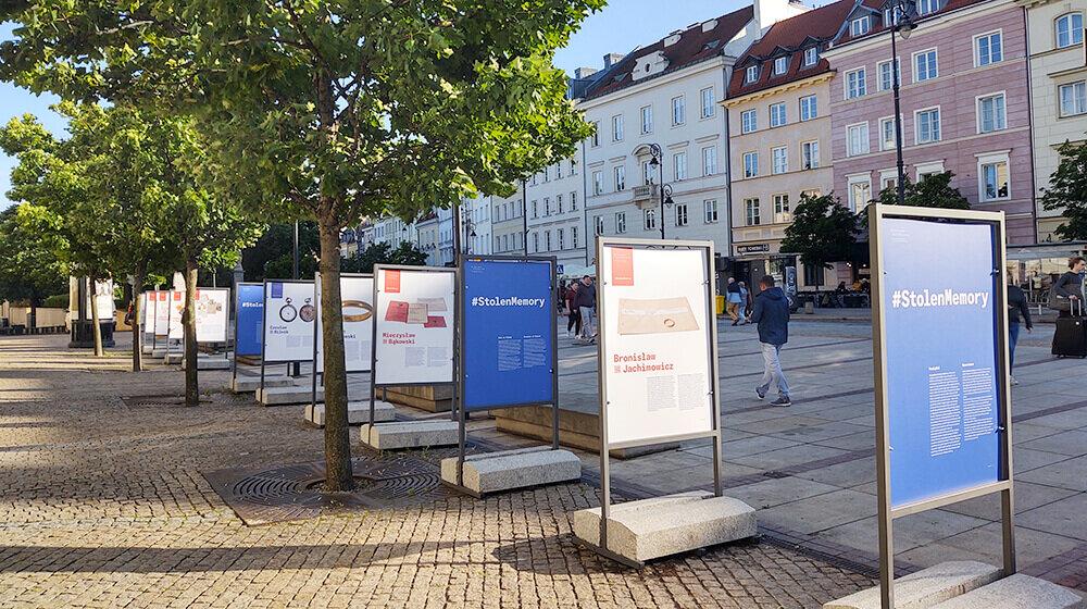Wystawa #StolenMemory otwarta w Warszawie